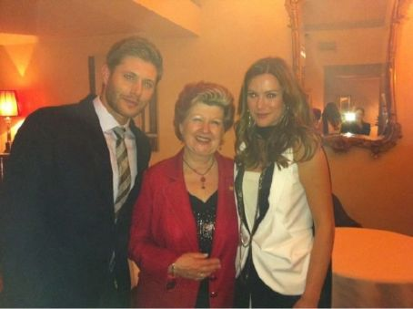 Danneel Ackles - At  Enoteco Pinchiorri with Annie Feolde