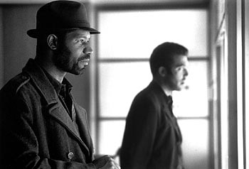 Dennis Haysbert and Craig Bierko in The Thirteenth Floor