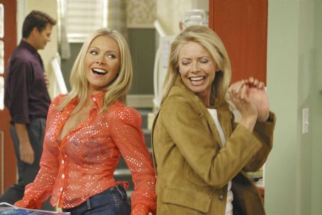 Kelly Ripa ('Faith,' left) and Faith Ford ('Hope,' right) star in Lionsgate Home Entertainment's Hope & Faith: Season 1.