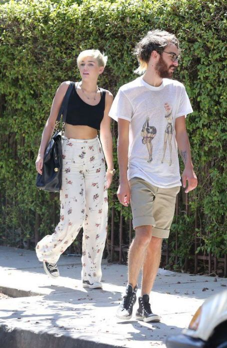 Miley Cyrus out in Hollywood (September 14)