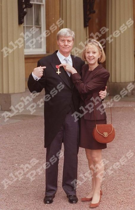 Rosalind Ayres MARTIN JARVIS & WIFE ROSALIND AYRES