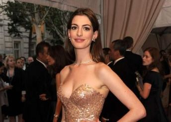Anne Hathaway: Not Seeking Follieri's Jewels