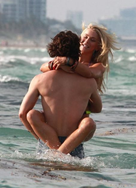 Diego Boneta and Julianne Hough