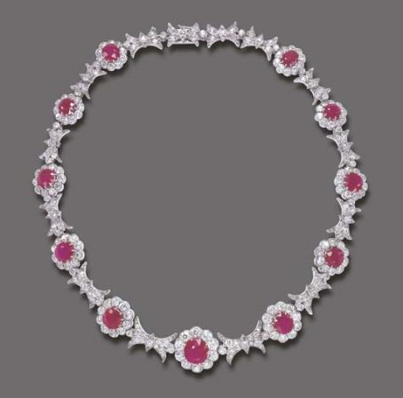 Eva Perón - Eva Peron's Beautiful pink diamond necklace