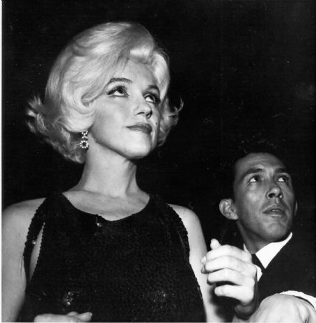 José Bolaños - the golden globes 1962.. marilyn monroe, and jose bolanos...