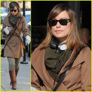 Olivia Wilde: Winter Walk!