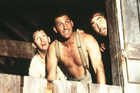 O Brother, Where Art Thou? Tim Blake Nelson, John Turturro and George Clooney in Touchstone Pictures'/Universal Pictures' drama O Brother, Where Art Thou - 2000