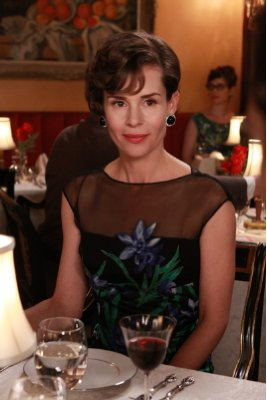 "Embeth Davidtz ""Mad Men"" (2007)"