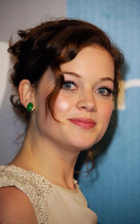 "Jane Levy  to Star in Upcoming ""Evil Dead"" Remake"