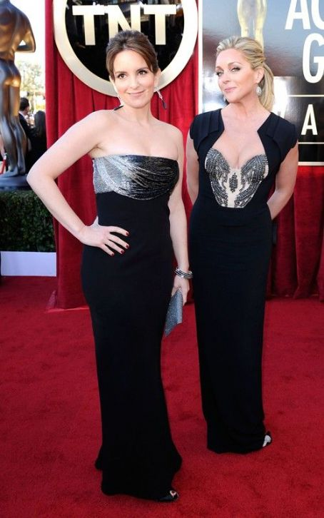 Tina Fey Glams Up the 2012 SAG Awards
