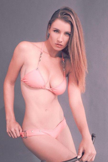 Natasha Domínguez