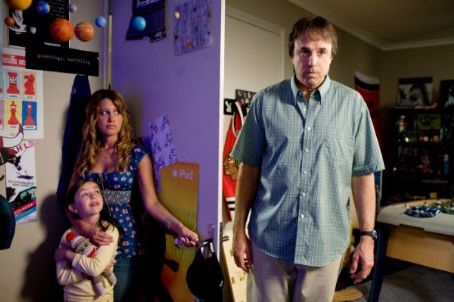 Kevin Nealon Aliens in the Attic (2009)