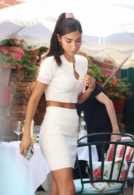 Chantel Jeffries with Andrew Taggart and Alissa Violet – Lunch at The Ivy in West Hollywood