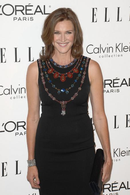 Brenda Strong - Elle's 16 Annual Women In Hollywood Tribute At The Four Seasons Hotel On October 19, 2009 In Beverly Hills, California