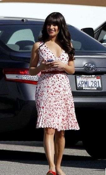 Lea Michele & Cory Monteith Celebrate Valentine's Day on 'Glee'