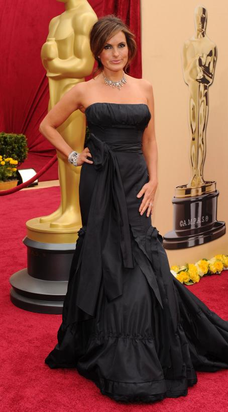 Mariska Hargitay - 82 Annual Academy Awards - Arrivals, Hollywood - March 7, 2010