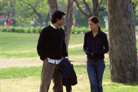 Benjamin Bratt as Wade Handler and Katie Holmes as Catherine Burke in Paramount's Abandon - 2002