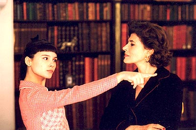 8 Women Virginie Ledoyen and Fanny Ardant in Focus Films'  - 2002