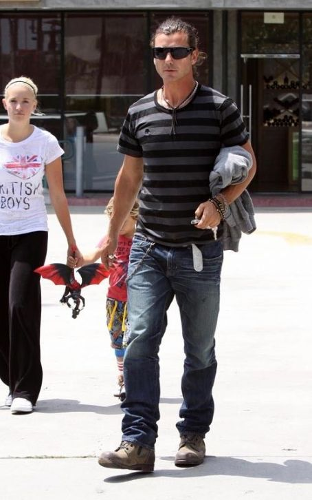 Gavin Rossdale's Boytoy Fling Speaks Out