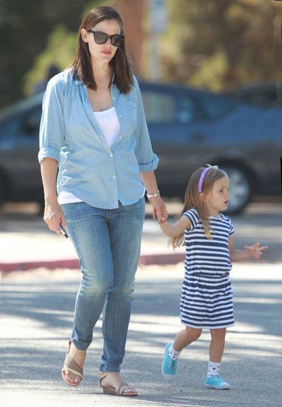 Jennifer Garner And Seraphina Enjoying A Day At The Park