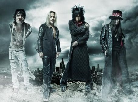 Mötley Crüe on stage in Bucharest next year