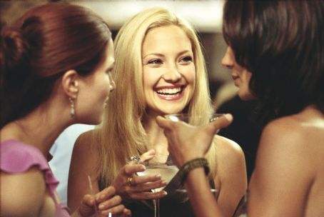 Kathryn Hahn as Michelle, Kate Hudson as Andie and Annie Parisse as Jeannie in Paramount's How To Lose A Guy In 10 Days - 2003