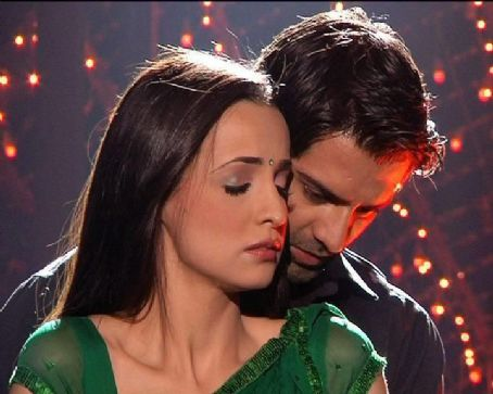 Barun Sobti and Sanaya Irani Pictures from TV show Iss Pyaar Ko Kya Naam Doon