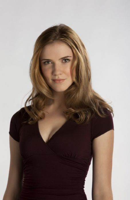 Sara Canning  Is Jenna Sommers In The Vampire Diaries Second Season (2010)