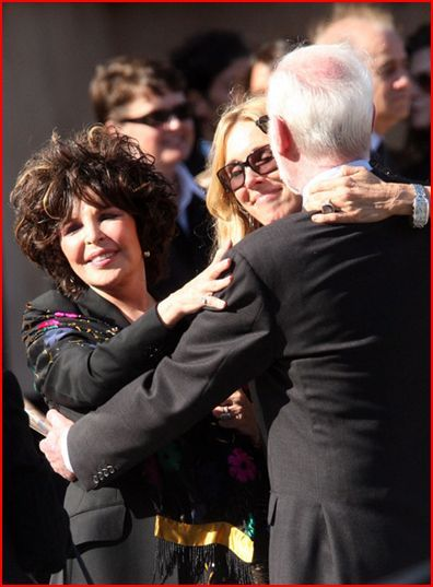 Carole Bayer Sager Farah Faucett's Funeral 6-30-2009