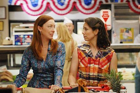 Miriam Shor Swingtown (2008)