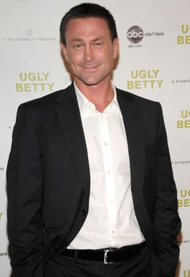 Grant Bowler Diamond Information Center Hosts Ugly Betty Premiere Party