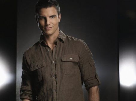 Colin Egglesfield Melrose Place (2009)