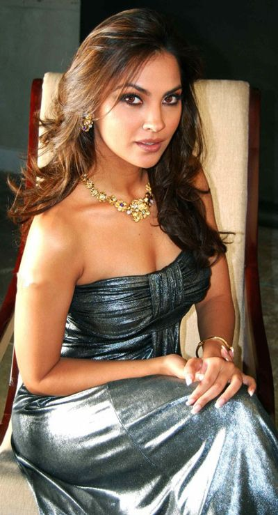 New Lara Dutta photos